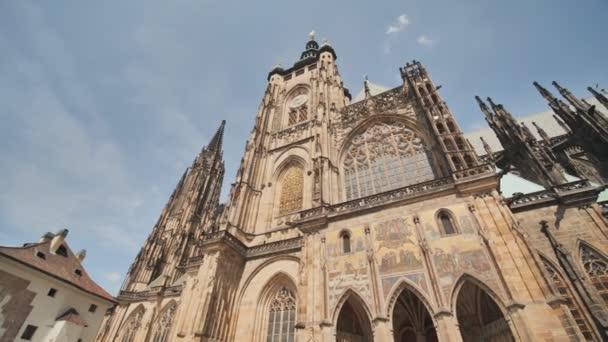 Gotická architektura a interiér katedrály sv. Víta největší a nejvýznamnější kostel se nachází na Pražském hradě
