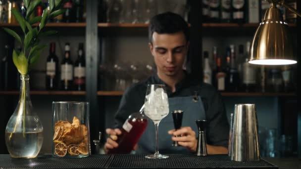 видео как сделать коктейль