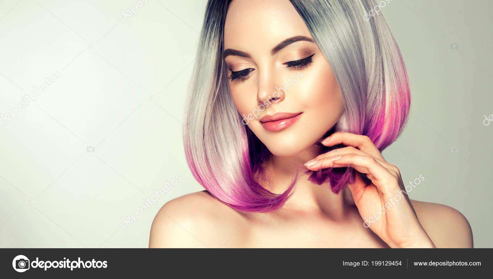 Mujer para colorear un cabello hermoso. Corte de pelo moda moda. Corte de pelo  corto ombre de bob. Modelo rubio con corte de pelo corto brillante. f5f33101e5d8