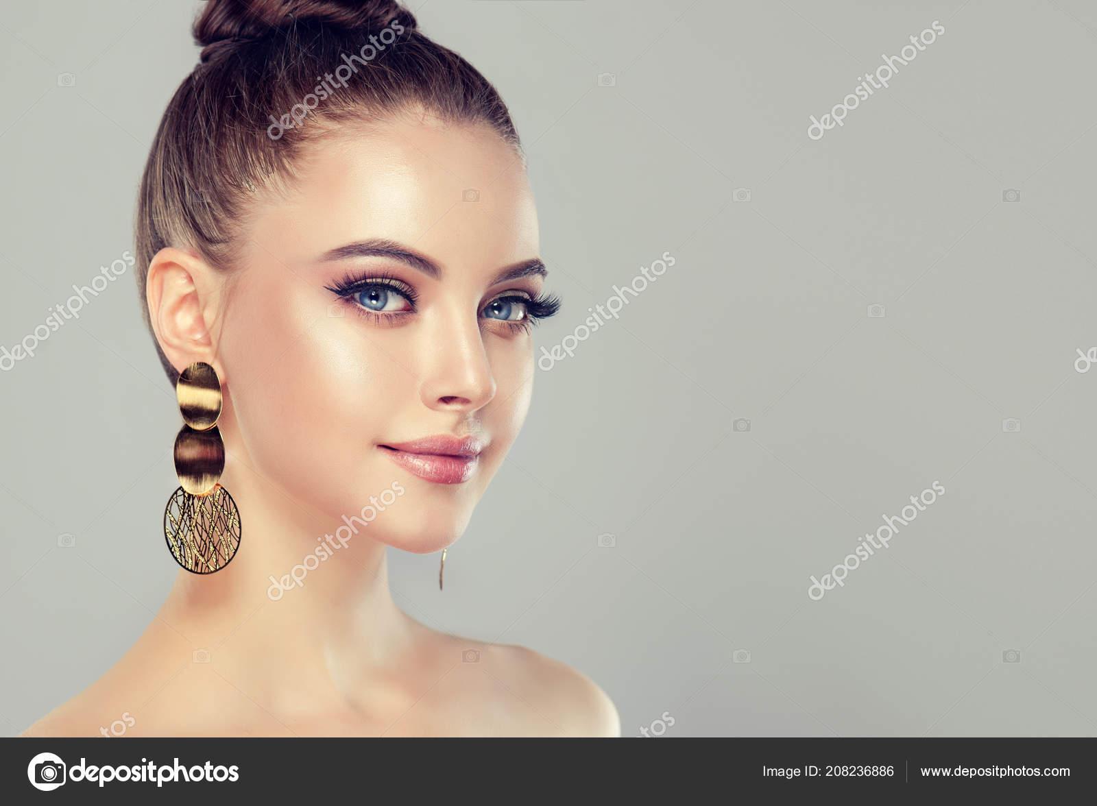 Beautiful Model Girl Fashion Makeup