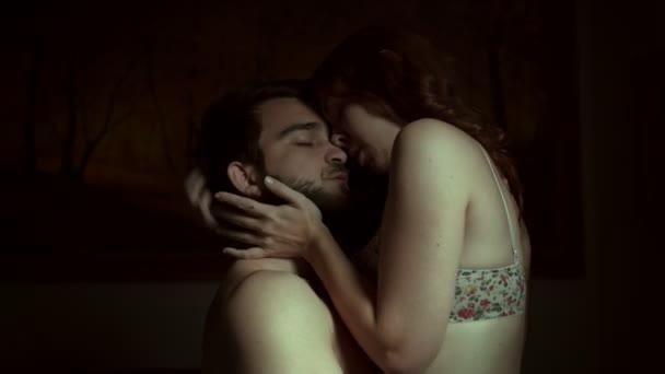 Liebhaber haben Sex zu Hause