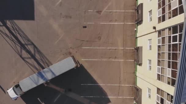 Rakomány szállítás konténer az áruk a beszállásnál, felülnézet