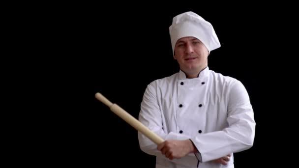 vaření, povolání a lidé, koncept - happy mužské kuchaři kuchař drží váleček