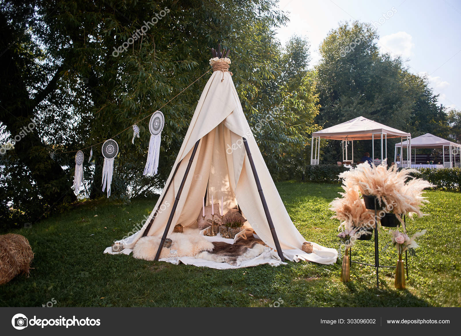 Boho Style Wedding Decoration Ease And Simplicity A Bamboo Hut Covered With A Linen Cloth Decorative Place Outdoor Recreation Glamping Stock Photo Image By C Gf2002 Mail Ru 303096002