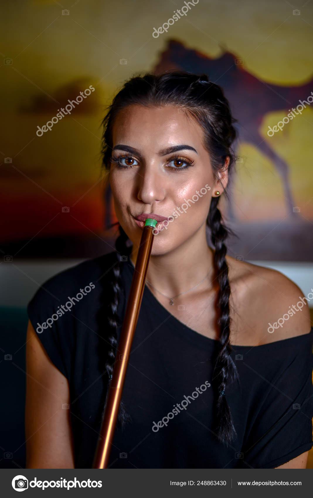 mladí kouření