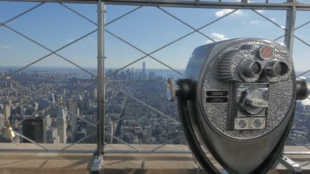 New York, New York, Usa 14. September 2015: Fernglas und die Aussicht auf niedrigere Manhatten aus dem Empire State building in New york