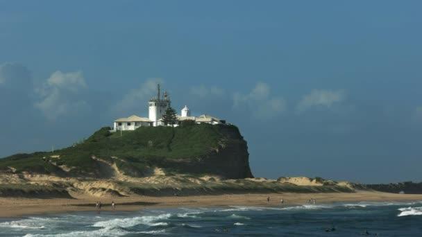 Nahaufnahme von Nobbys Head Lighthouse in Newcastle, Australien
