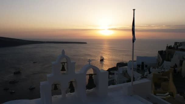 Západ slunce na jachtě nedaleko Oia, Santoríni