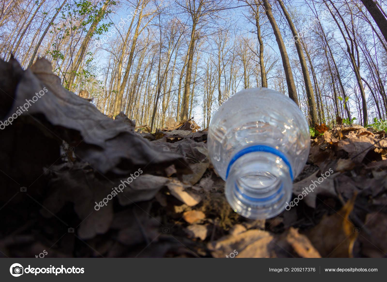 Carelessly Throw Away Plastic Bottle — Stock Photo © pox na