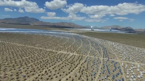 Solární panely. Sluneční energie alternativní zdroj energie je solární panely