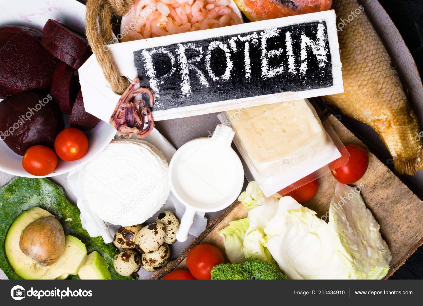 Источники белка мясо, рыба, сыр, орехи — стоковое фото © nadianb.