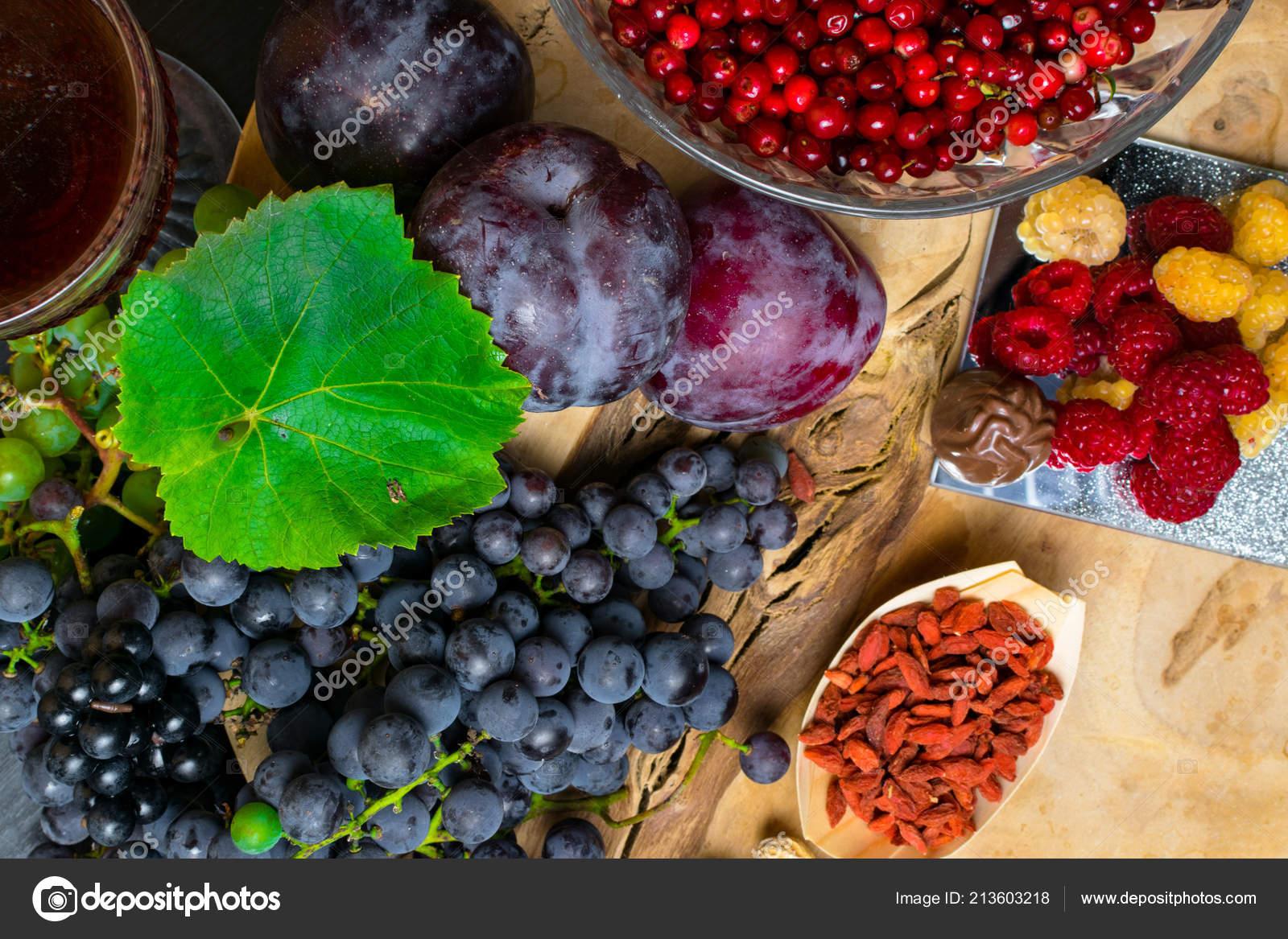 Food Rich Resveratrol Grapes Plums Goji Peanuts Cranberry