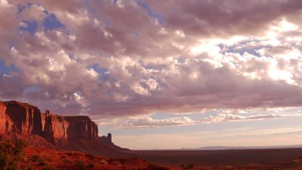 Monument Valley Sunrise Time Lapse felhők Arizona és Utah délnyugat USA