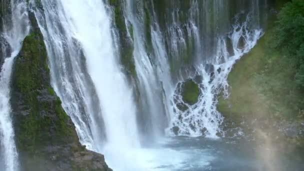 Vodopády v Shasta California Burney Falls Pan Doprava