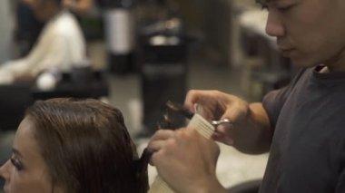 Friseur Stockvideos Lizenzfreies Friseur Filmmaterial Depositphotos