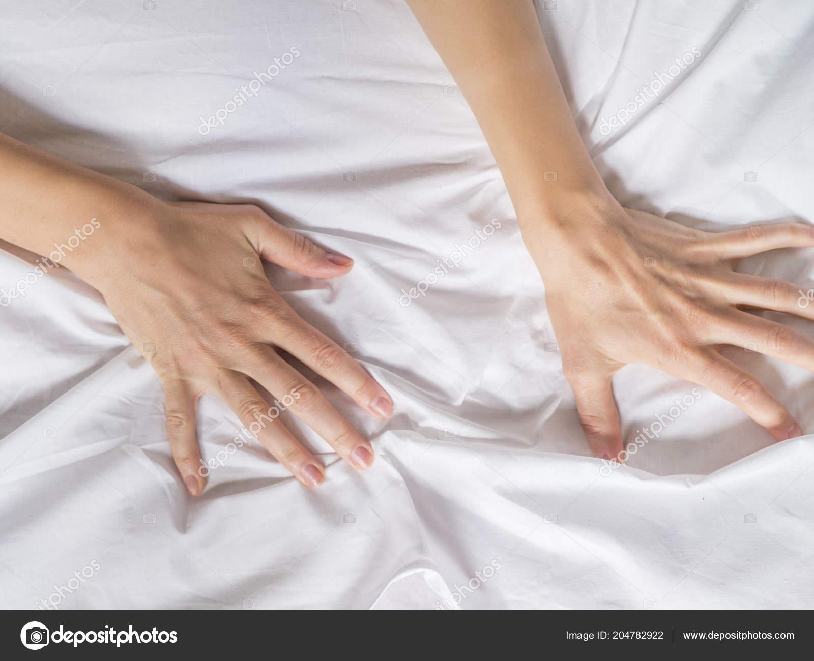 Оргазм от рук женщины
