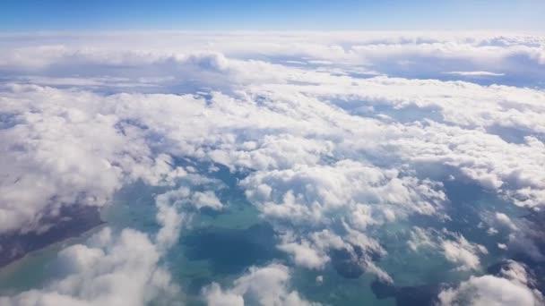 létání nad mraky Hd video. Denní světlo.