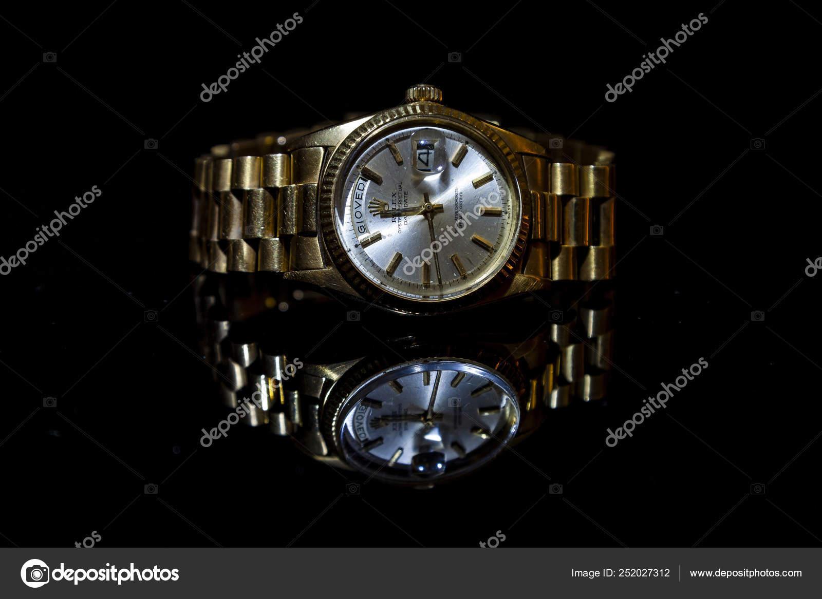 Rolex Oyster Perpetual Day Date Uhr auf schwarzem