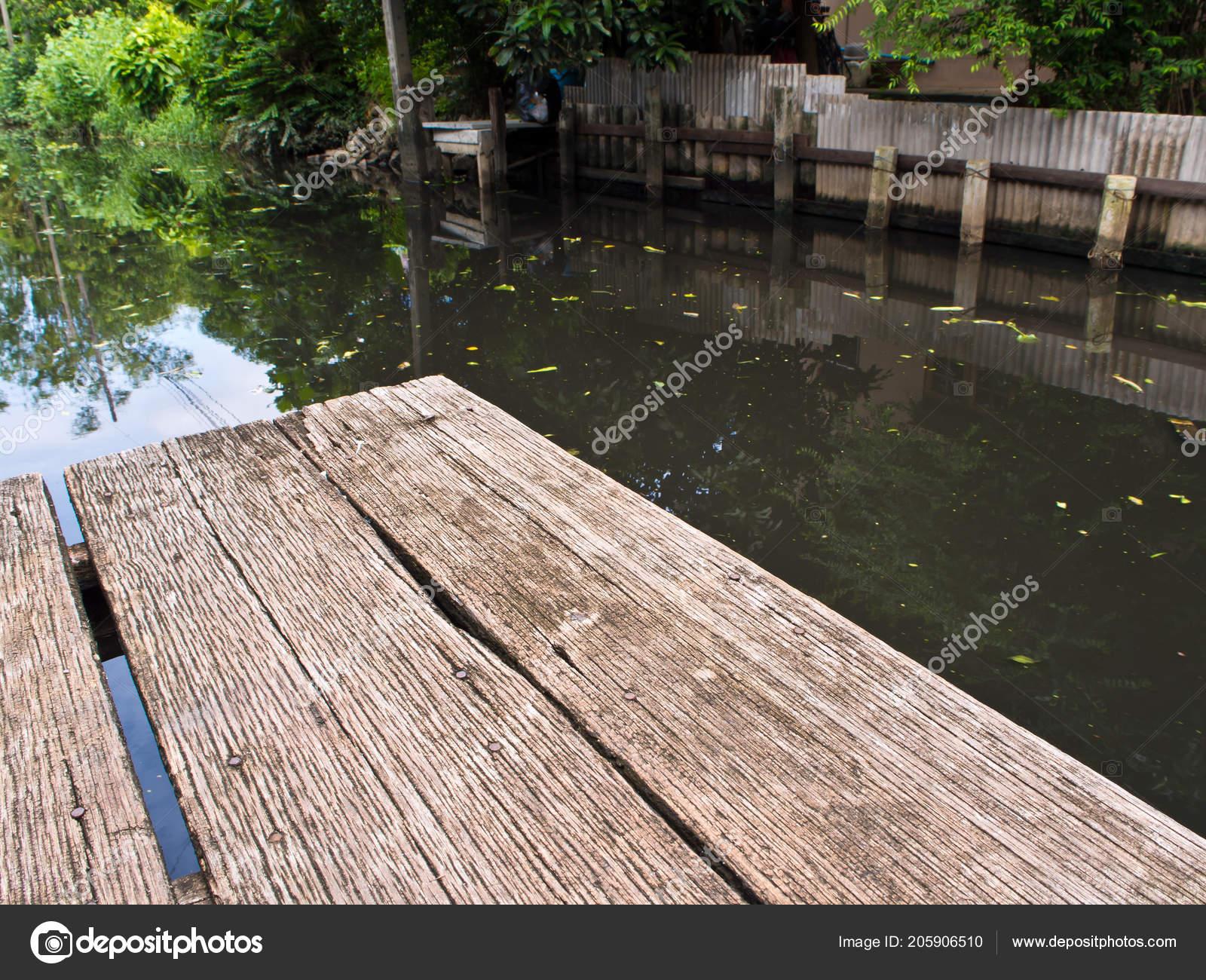 Fußboden Terrasse ~ Hartholz fußboden textur und muster des kanal terrasse u2014 stockfoto