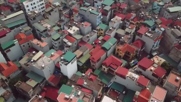 Régi egzotikus épületek tetők nyomornegyed negyed építészet. Fly előre város színes házak. Egyedülálló kilátás a városi tájra. Absztrakt ázsiai. Ázsia Vietnam Kínában. Légi helikopter
