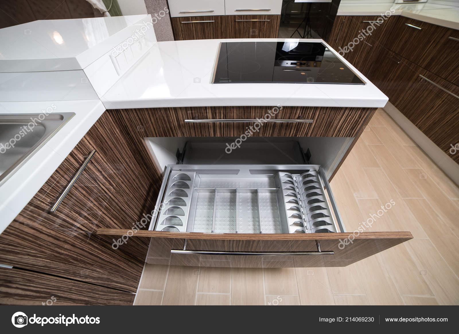 Asciugatura Piatti Modo Organizzare Una Cucina Minimizzare Spazio ...