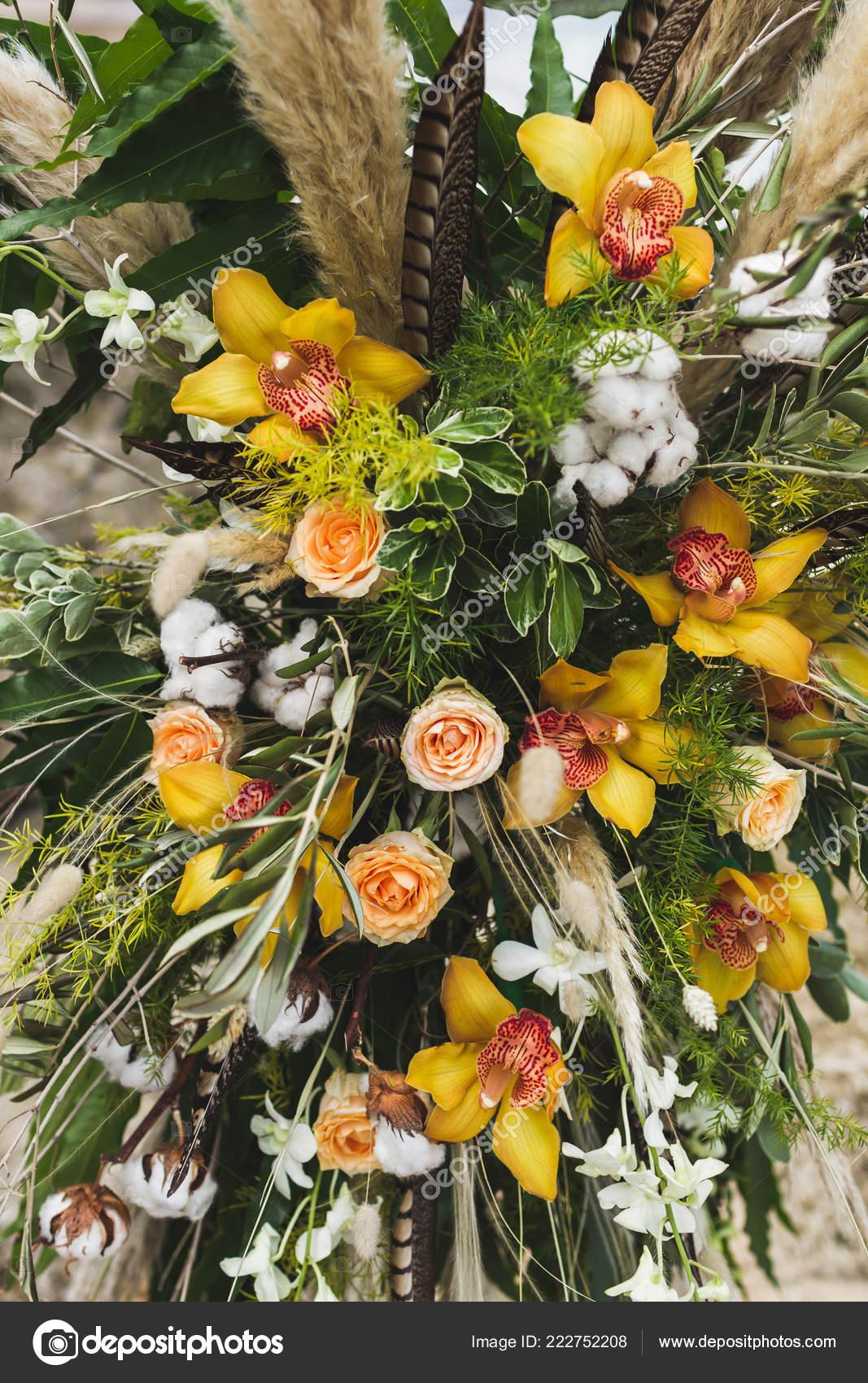 Boda Arreglos Florales Con Orquídeas Amarillas Rosas Seca