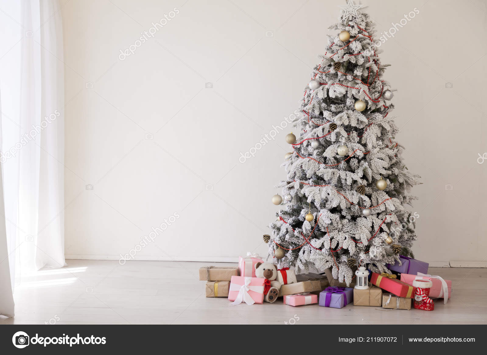 Christmas tree with presents new year white scenery — Stock Photo ...