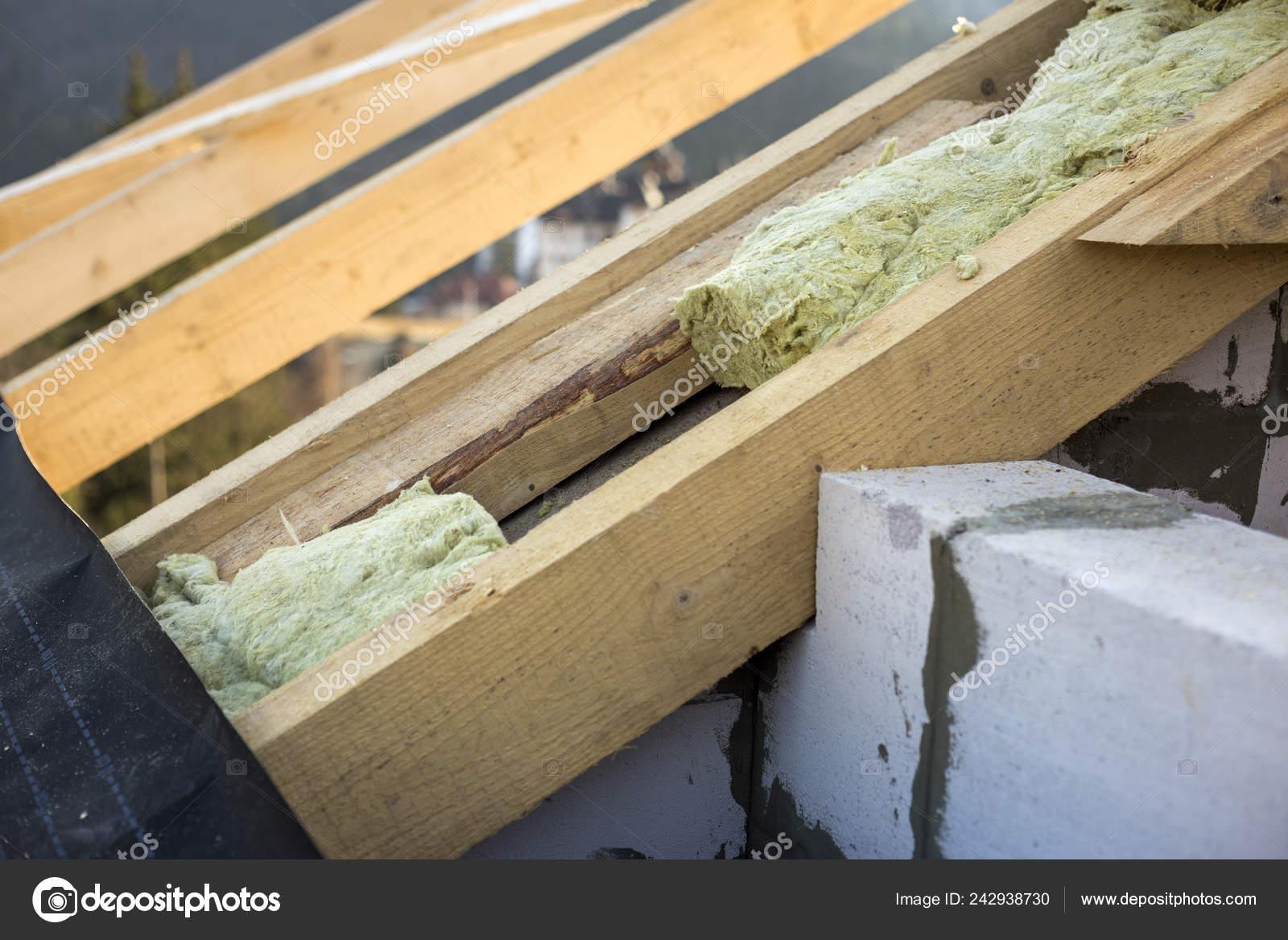 Hedendaags Dakconstructie Isolatie Met Steenwol Houten Balken Frame Wanden UK-02