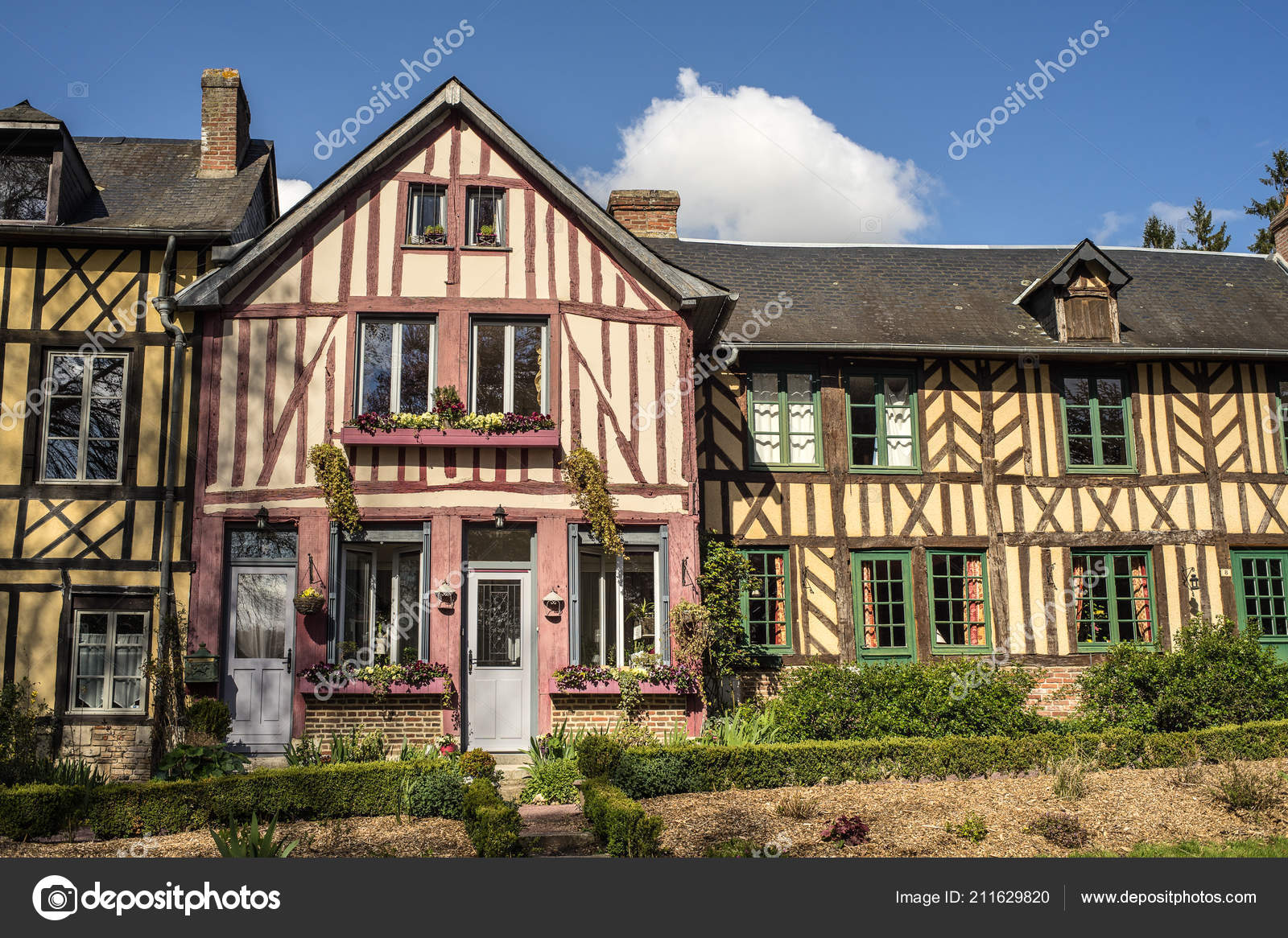 Surprising Beautiful Timber Framed Houses Bec Hellouin Normandy France Beutiful Home Inspiration Papxelindsey Bellcom