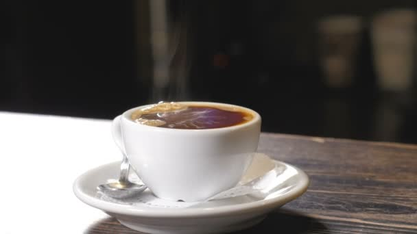 Šálek kávy na panelu closeup