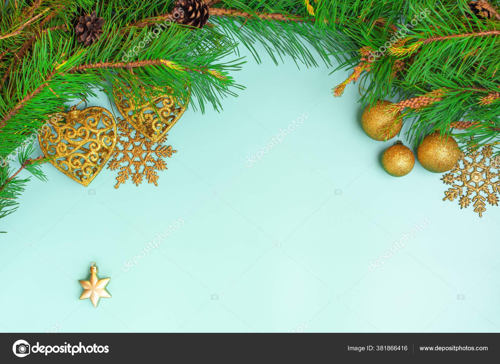Dekorasi Natal Pohon Natal Branch Bola Natal Dan Bintang Natal Stok Foto C Celt Sarmat Gmail Com 381866416