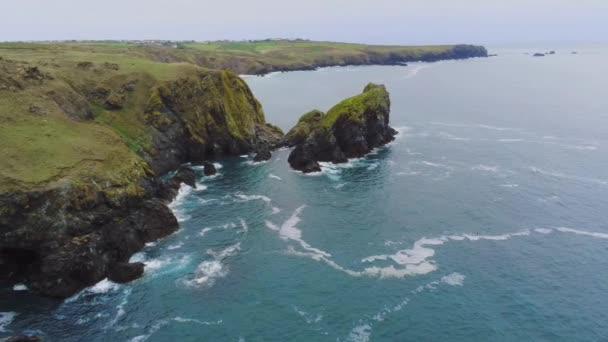 A csodálatos part of Cornwall Anglia és a sziklás sziklák