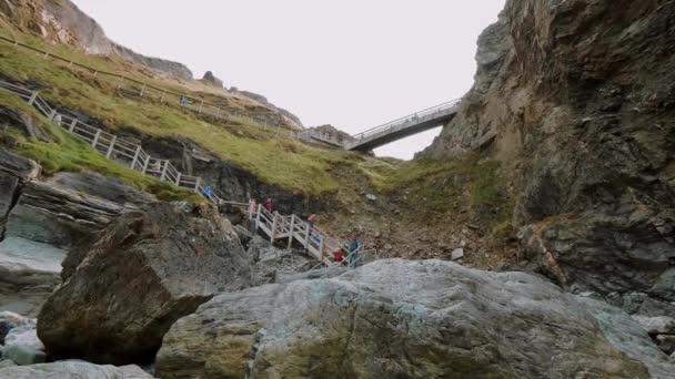 Hrad Tintagel v Cornwallu - slavný orientační bod v Anglii