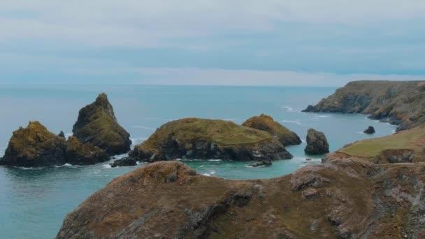 Cornwall Anglie - výhled úžasný parkovistě na pobřeží
