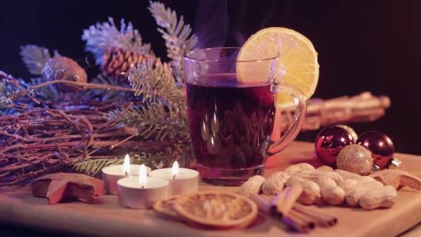 Forralt bor a karácsonyi asztal