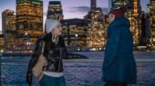 Il meraviglioso skyline di Manhattan, visitato da due ragazze a New York