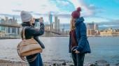 Dva přátelé cestovat do New Yorku pro památky