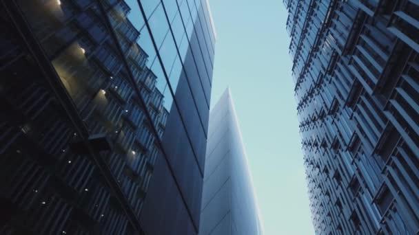 moderne architektur in more london riverside district - london, england - dezember 16, 2018