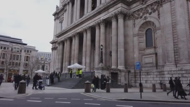 St Pauls Cathedral in London - LONDON, ENGLAND - DECEMBER 16, 2018