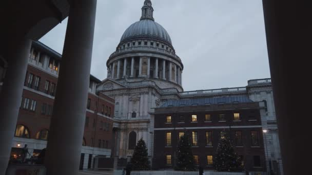 The dome of St Pauls Cathedral in London - LONDON, ENGLAND - DECEMBER 16, 2018