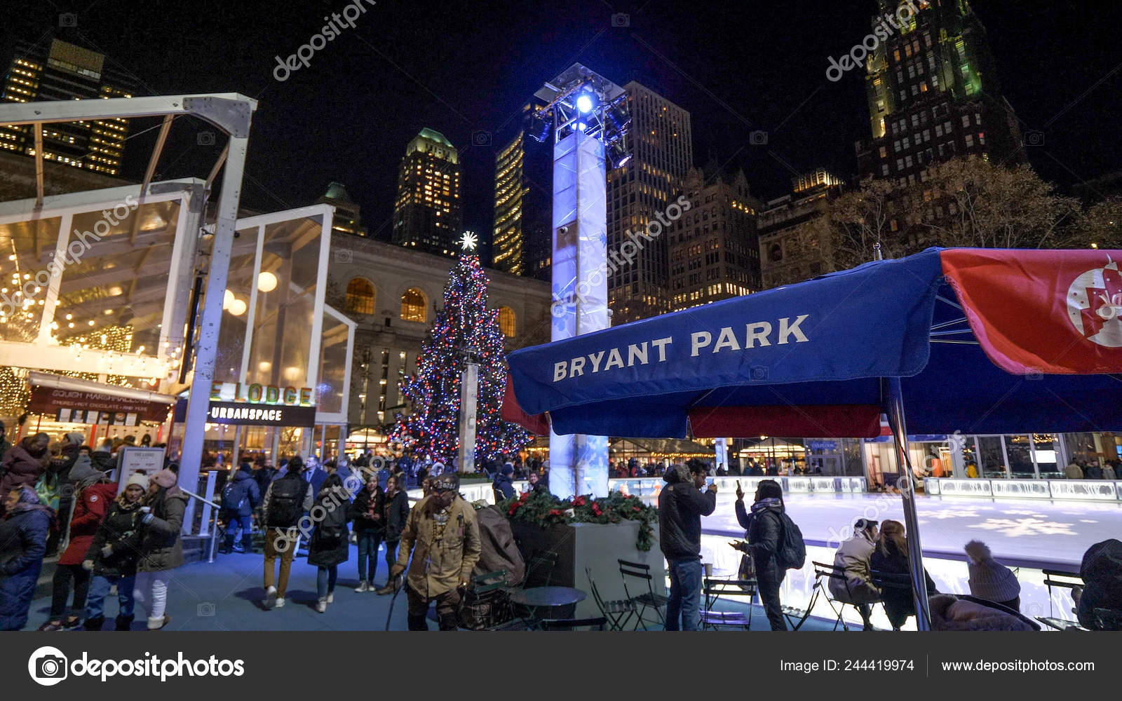 Bryant Park Christmas Market.Christmas Market At Bryant Park By Night New York Usa