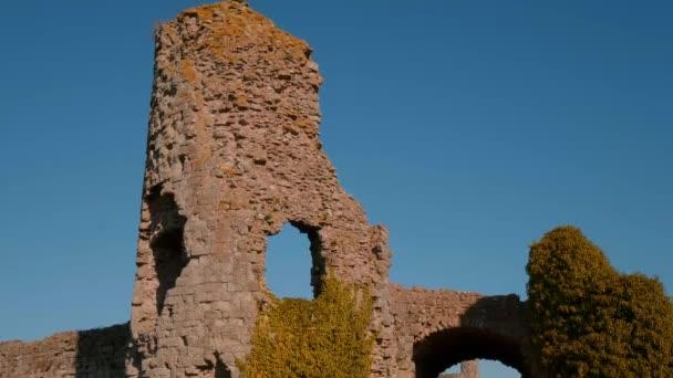 Castello di Pevensey nel Sussex rovine del castello medievale