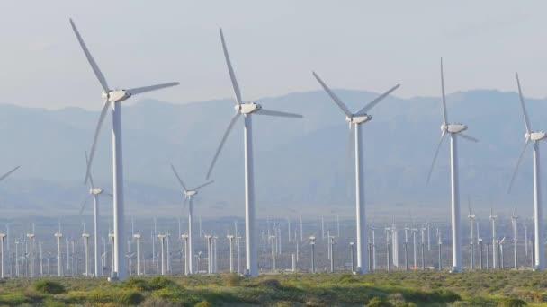 Větrný park Palm Springs - CALIFORNIA, USA - MARCH 18, 2019