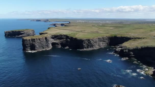 Beautiful Kilkee Cliffs at the west coast of Ireland