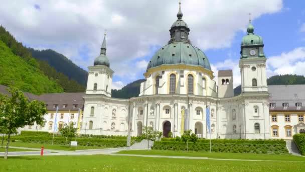 Abtei Ettal, genannt Kloster Ettal, ein Kloster im Dorf Ettal, Bayern - ETTAL, DEUTSCHLAND - 26. Mai 2020