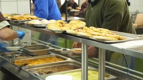 detail, vitrína s pokrmy v moderním Self servis kantýny, jídelny, jídelny, továrna zaměstnanců na oběd v jídelně, jsou podávané jídlo v továrně kantýny