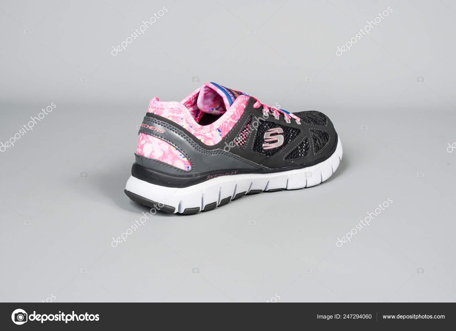 Medellín Colombia Febrero 2019 Skechers Zapatos Deportivos
