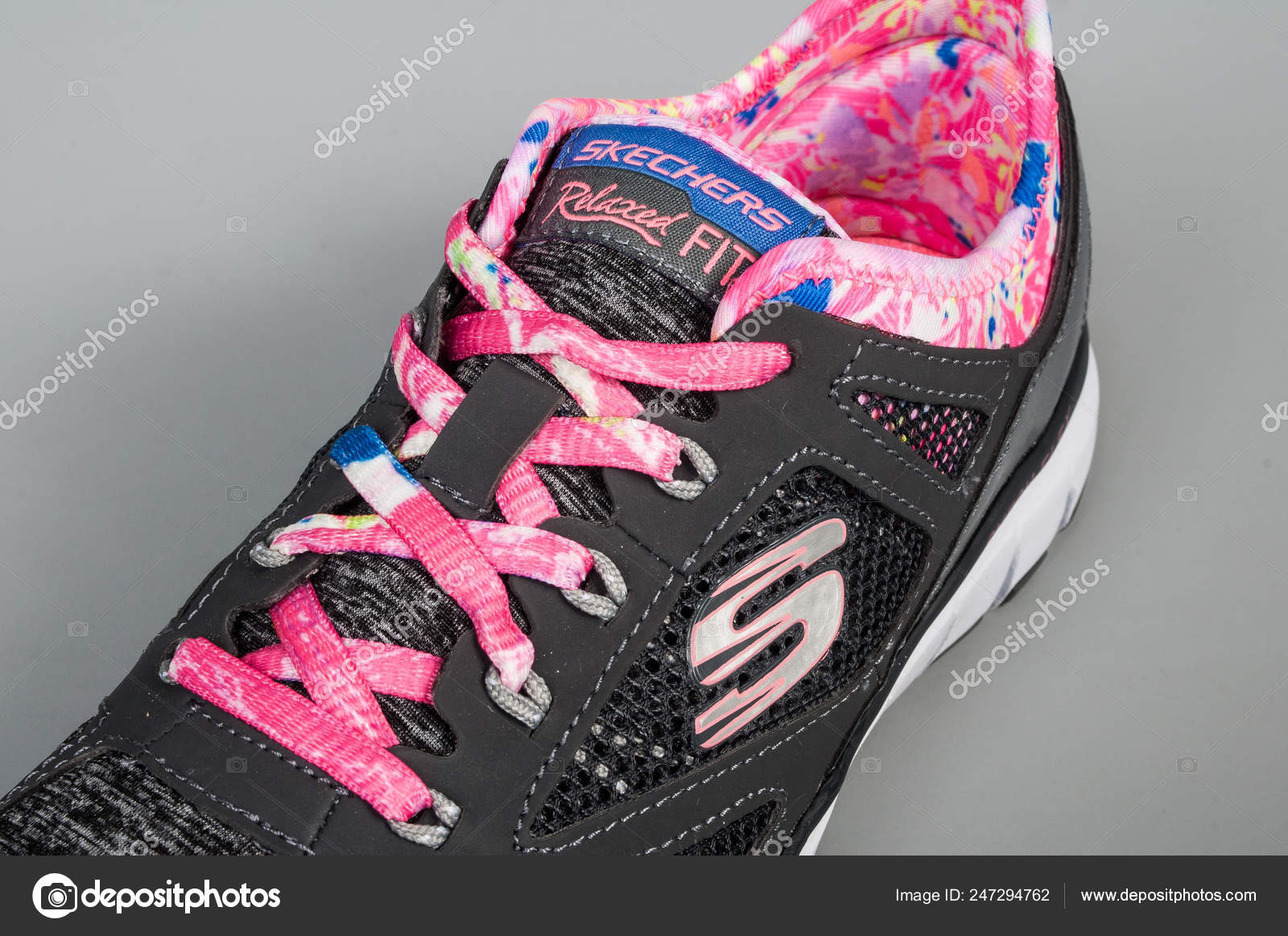 a095e890761b Medellin Colombia February 2019 Skechers Sports Shoes Gray Background —  Stock Photo