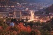 Fotografie Europe, Romania, Transylvania, Brasov, city view. Changing colors of Autumn.