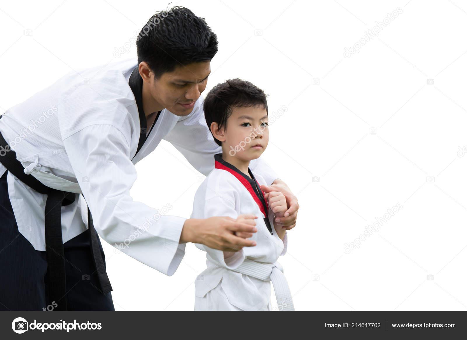 Fekete tini harcol
